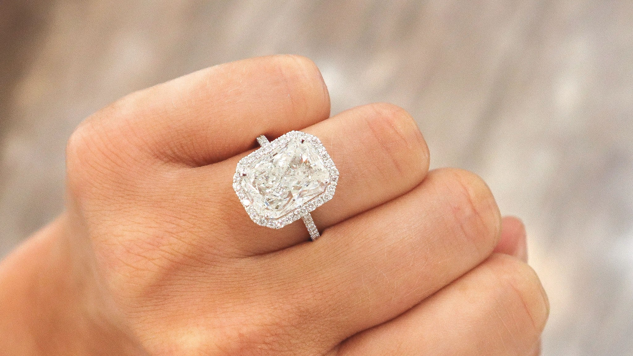 Tax Free Diamond Expo: Engagement Rings